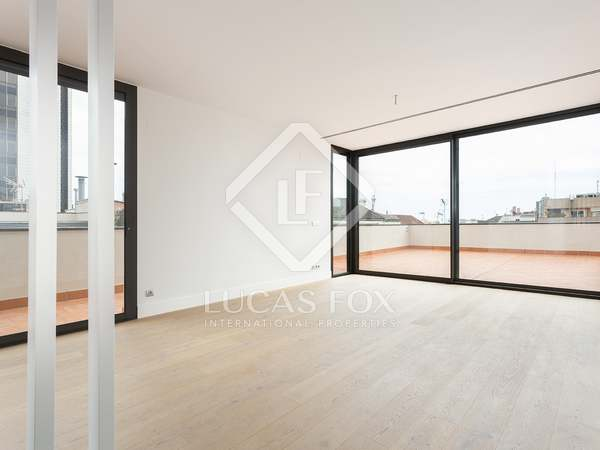 144m² Penthouse with 109m² terrace for sale in Eixample Right