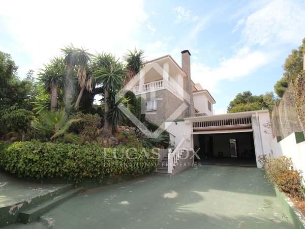 Huis / Villa van 393m² te koop in East Málaga, Malaga