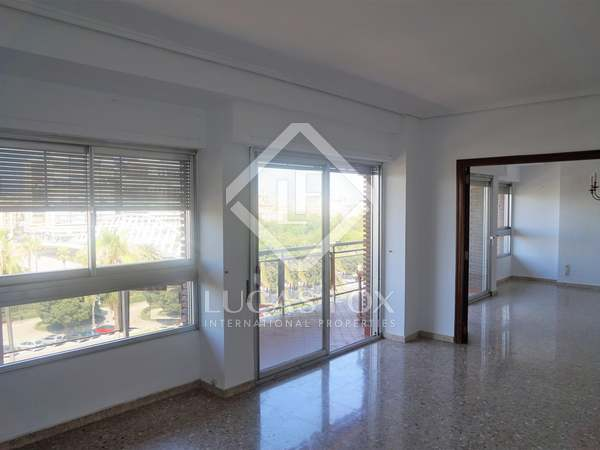 Квартира 211m², 10m² террасa аренда в Пла дель Реаль