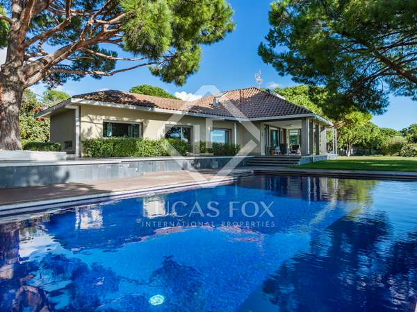 600m² House / Villa for sale in Arenys de Mar, Barcelona