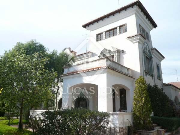 Villa en venta en Godella, Valencia