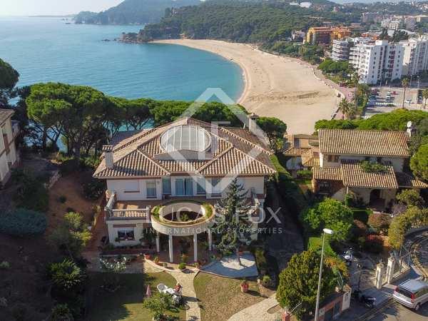 Villa de 1.100 m² en venta en Lloret de Mar / Tossa de Mar