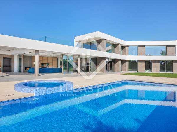 1,415m² Golf property for sale in PGA, Girona