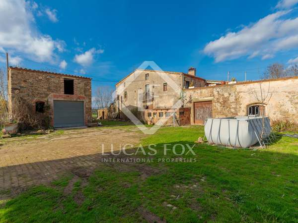 1,000m² Country house with 115m² terrace for sale in Baix Empordà