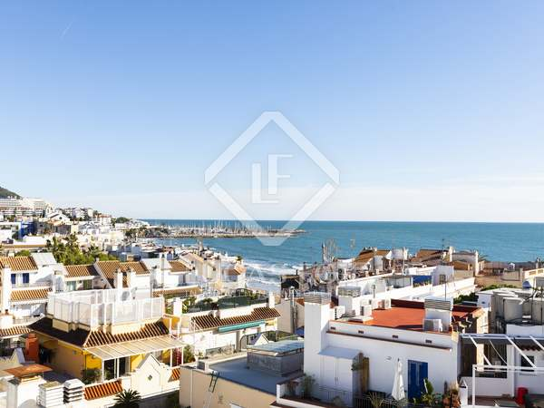 120m² Apartment with 70m² terrace for sale in Sitges Town