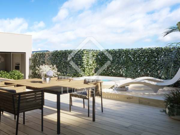 123m² Penthouse with 80m² terrace for sale in Eixample Right