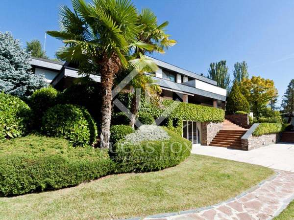 3,700m² Country house for sale in La Moraleja, Madrid