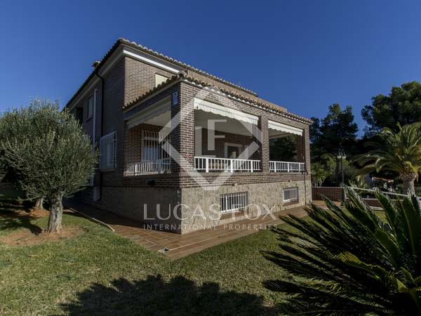 550m² House / Villa for sale in Castellón, Spain