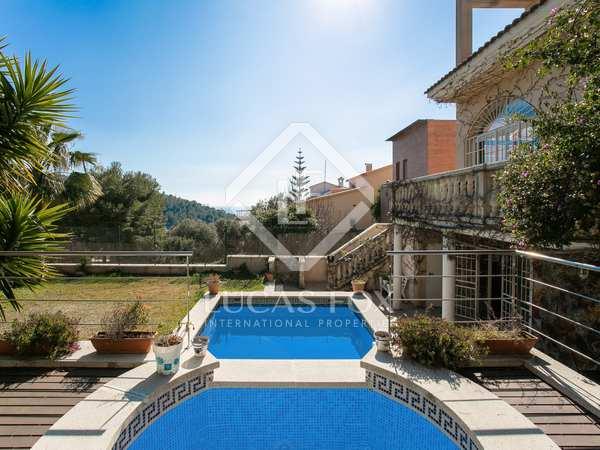 huis / villa van 416m² te koop in Levantina, Barcelona