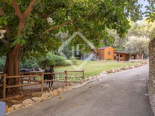 Villa ecuestre de 350 m² en venta en Dénia, Costa Blanca