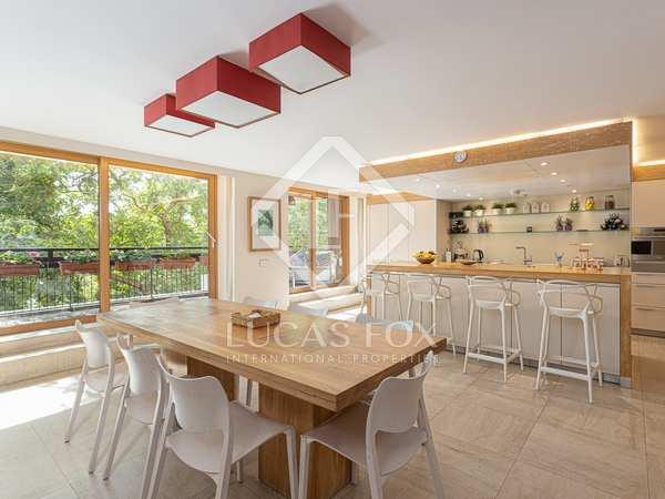 appartement van 211m² te koop met 32m² terras in Tres Torres
