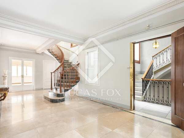 428m² Penthouse with 100m² terrace for sale in Sant Gervasi - La Bonanova