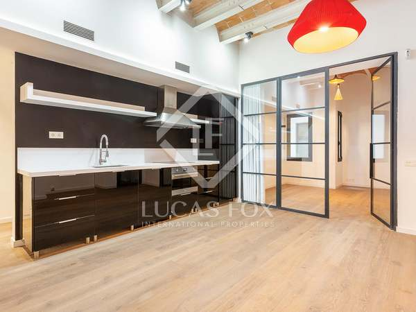 85 m² apartment for sale in Poble Sec, Barcelona