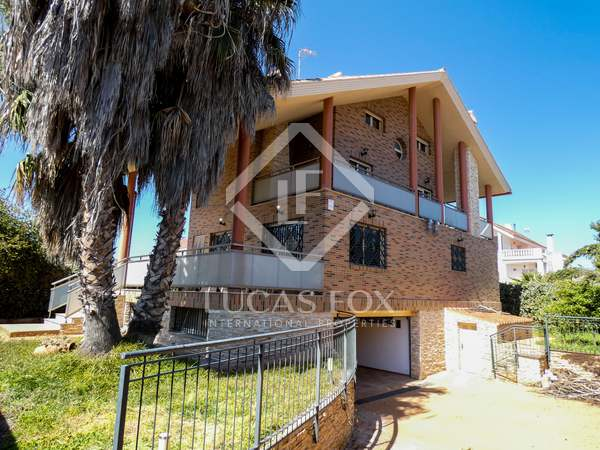 Huis / Villa van 419m² te koop in Playa Sagunto, Valencia