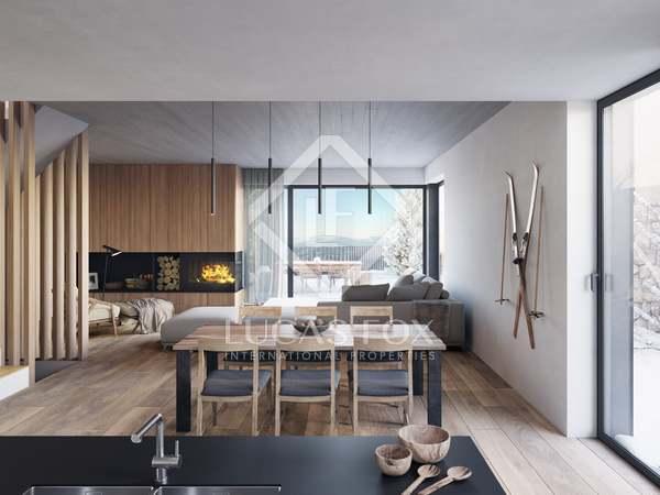 431m² House / Villa with 37m² terrace for sale in La Massana
