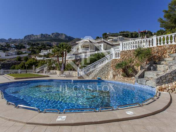 1,039m² House / Villa with 90m² terrace for sale in Alicante ciudad