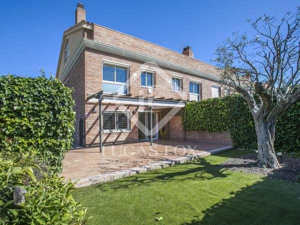 Casa con jardín y piscina en venta en Premià de Dalt
