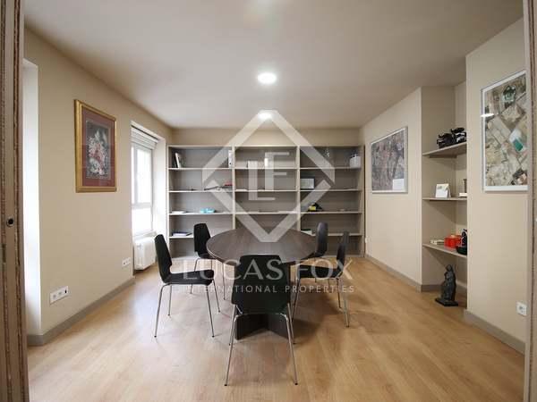 Apartamento de 3 dormitorios en venta en Almagro