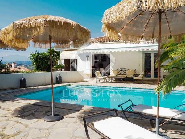 Casa / Villa de 416m² con 859m² de jardín en venta en Nueva Andalucía