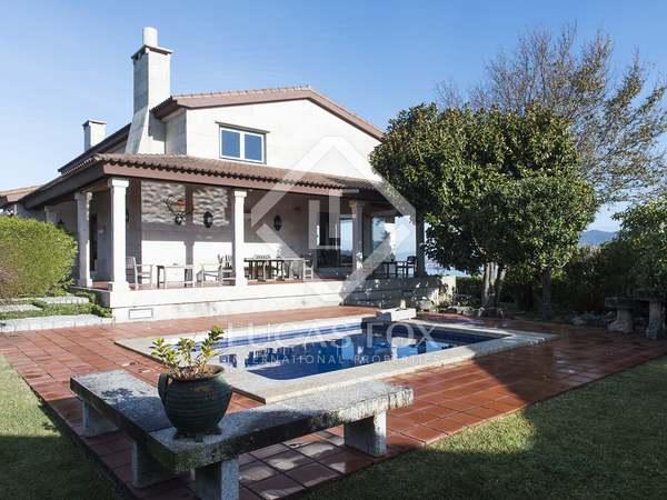 Casa / Villa di 345m² in vendita a Pontevedra, Galicia