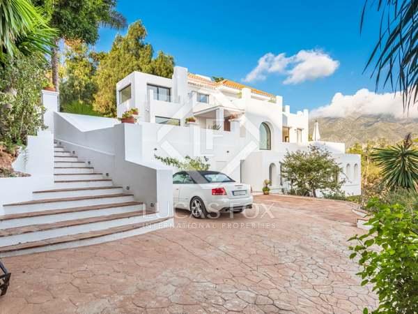 huis / villa van 386m² te koop met 1,720m² Tuin in Nueva Andalucía