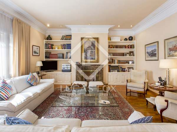 Apartamento de 4 dormitorios en venta en Sant Gervasi-Galvany