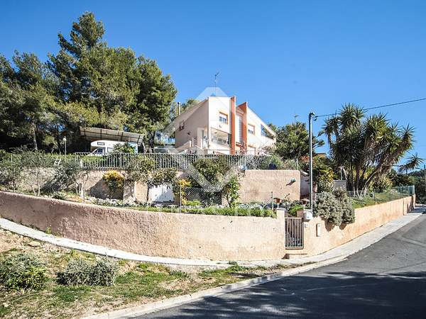 250m² House / Villa for sale in Cubelles, Barcelona