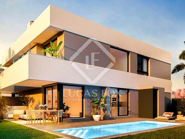 145m² House / Villa with 144m² garden for sale in golf