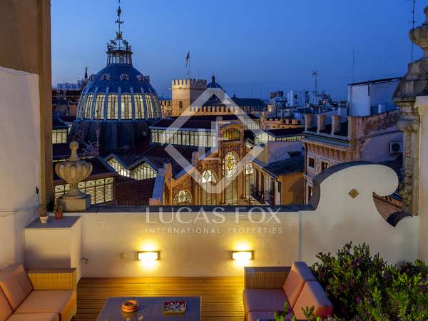 189m² Penthouse with 114m² terrace for sale in El Mercat
