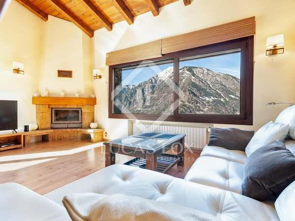 222m² House / Villa with 99m² garden for rent in Escaldes