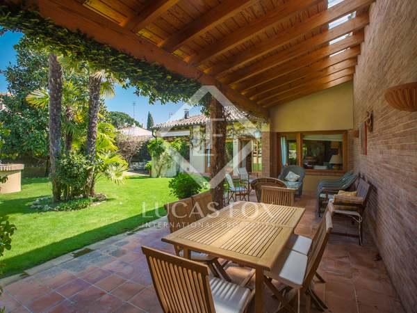 Maison / Villa de 284m² a vendre à Sant Vicenç de Montalt