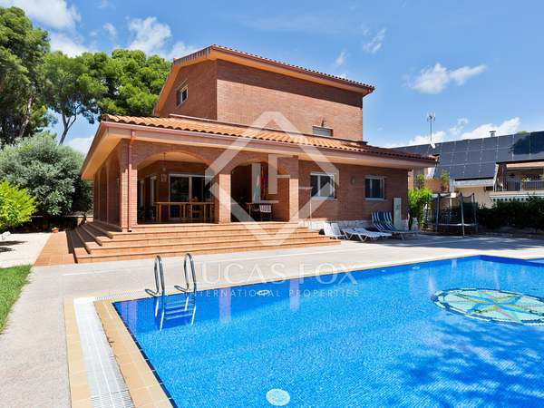 689m² House / Villa for sale in Montemar, Barcelona