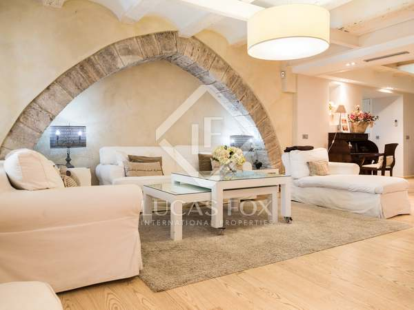 Renovated apartment for sale in Valencia, near the cathedral
