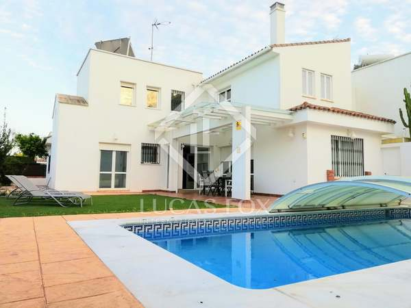 341m² House / Villa for sale in Málaga, Spain