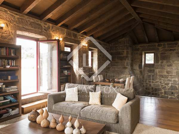 Huis / Villa van 950m² te koop in Pontevedra, Galicia