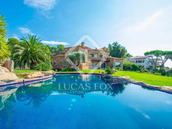 897m² House / Villa with 4,000m² garden for sale in Sant Feliu de Guíxols - Punta Brava