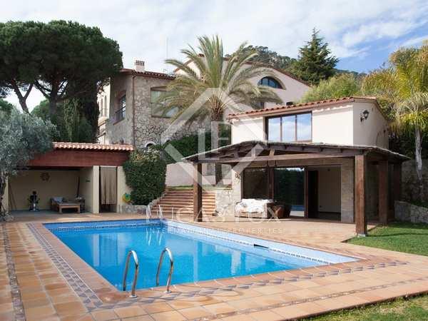 Huis / Villa van 1,200m² te koop in Cabrera de Mar, Maresme
