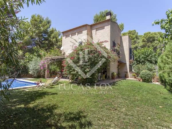 280m² House / Villa with 430m² garden for sale in Godella / Rocafort
