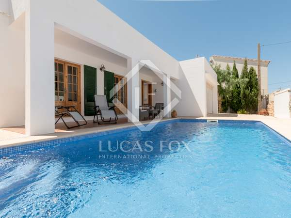 197m² House / Villa for sale in Ciudadela, Menorca