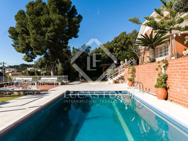 Maison / Villa de 150m² a vendre à Montemar, Barcelona