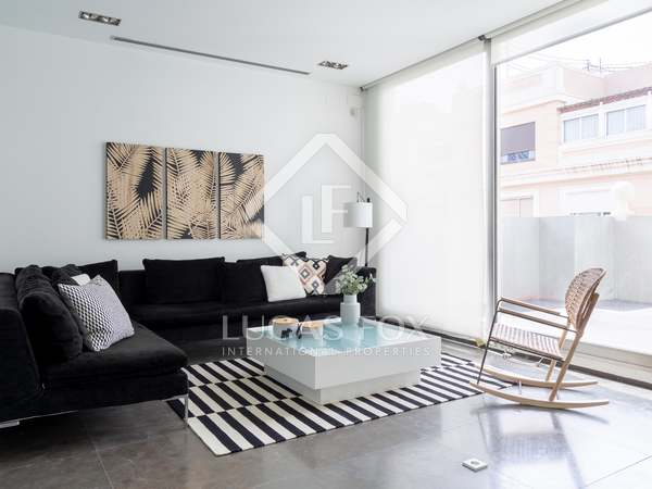 150 m² penthouse with 13 m² terrace for rent in Gran Vía