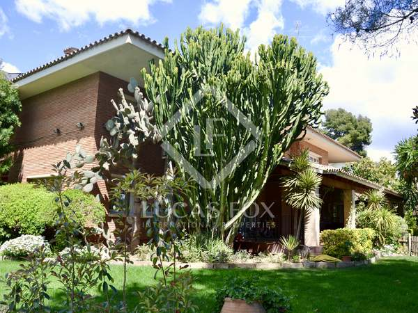 800m² House / Villa with 2,000m² garden for sale in Montemar