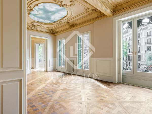 273m² Apartment for sale in Eixample Right, Barcelona