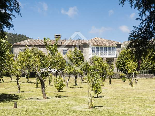 在 Pontevedra, Galicia 1,235m² 出售 豪宅/别墅