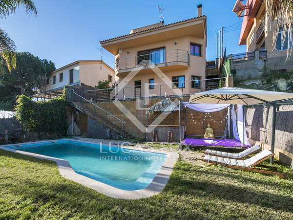 Villa de 266m² con vistas al mar en venta en Sant Pol de Mar