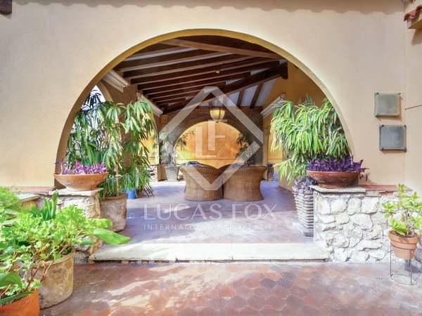 356m² House / Villa with 1,205m² garden for sale in Urb. de Llevant