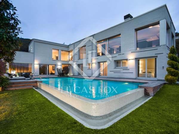 Casa moderna de estilo contemporáneo en alquiler en Vallromanes