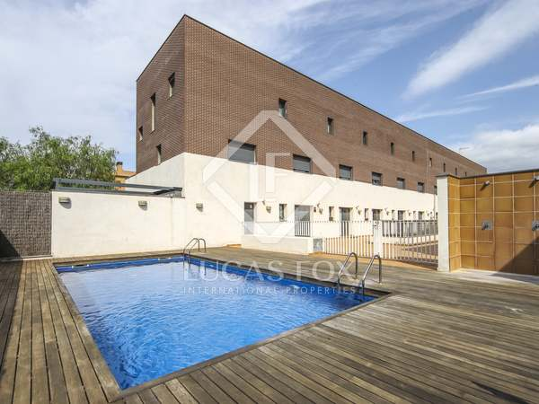 197m² House / Villa for sale in Cubelles, Barcelona