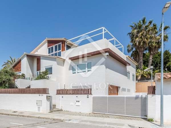 Villa de 537m² en venta en Calafell, Vilanova