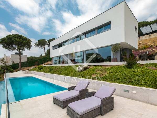 Villa contemporánea de 4 dormitorios en alquiler en Alella